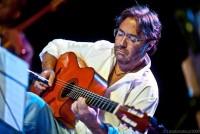 джаз - гитарист Al di Meola