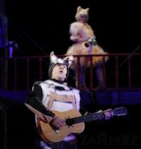 Кот в сапогах и кошка в сапожках