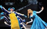 шоу-спектакль «Невероятные приключения Алисы»